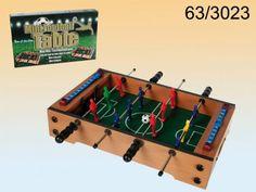 Drewniany blat do gry w piłkarzyki. Idealny prezent aby szlifować swoje umiejętności nie tylko na boisku, ale także w domu. http://www.bigboystoys.pl/item2450__Pilkarzyki_drewniane_podreczny_zestaw.html