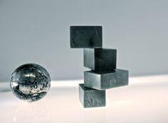 OFFICE NEOCHROME SET DESIGN Sculpture: Michael Camellini / Marble elevation