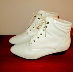 white leather laceup ankle boots  size 8.5 by mellowrabbit on Etsy, $32.00