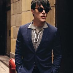 Thanks, T Magazine - I really didn't want to take off those shades at the end of the day.  http://www.nytimes.com/slideshow/2016/03/17/t-magazine/fashion/classic-sunglasses-modeled-by-the-rising-actor-finn-wittrock.html