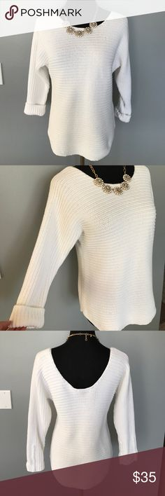 Vince. Knit Sweater So soft and comfy ! Size small/ low back Vince Sweaters