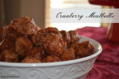 Cranberry Meatballs This appetizer is to fast and easy you won't believe how amazing it tastes. They are perfect for any party. Christmas Party Finger Foods, Christmas Appetizers, Christmas Foods, Christmas Ideas, Christmas Eve, Vintage Christmas, Christmas Buffet, Christmas Cooking, Christmas Parties