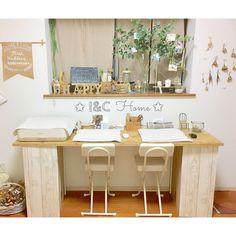 みんなのカラーボックス活用法がすごい!プチDIYしてオシャレに収納力アップを目指す♡ | Linomy[リノミー] Interior Decorating, Interior Design, Color Box, Office Desk, Diy And Crafts, New Homes, Storage, Kitchen, Table