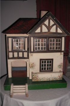 dating-triang-dolls-house