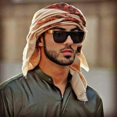 omar borkan al gala fan art - - Yahoo Image Search Results Arab Men Fashion, Mens Fashion, Bild Outfits, Cool Boy Image, Muslim Men, Picture Outfits, Outfit Trends, Beard Styles, Handsome Boys