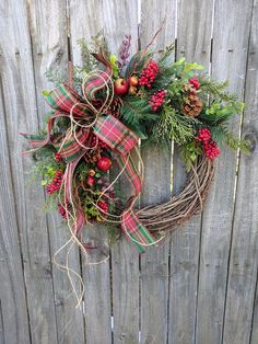 10 Fabulous Holiday Wreaths You Need For Your Home #christmastips