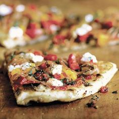 Williams-Sonoma: Herbed Pizzas with Prosciutto, Basil and Goat Cheese
