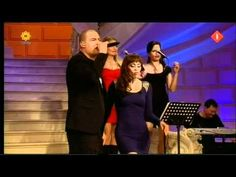 "Lange Frans & Glennis Grace zingen ""Empire state of mind"", live bij ""de Beste zangers van Nederland 2011"". TV, TROS, Ned.1 d.d. 07-05-2011."