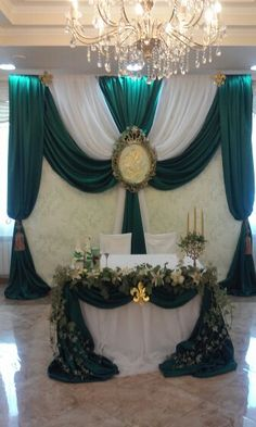 Green wedding #WeddingReception repinned by wedding accessories and gifts specialists http://destinationweddingboutique.com