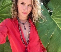 Picture of Shantel VanSanten Shantel Vansanten, Turquoise Necklace, Chain, Selfie, Jewelry, Fashion, Moda, Jewlery, Jewerly