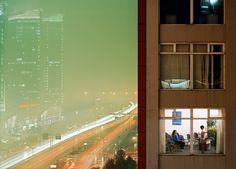 Floriane de Lassée photographie l'intimité des habitants des grandes villes