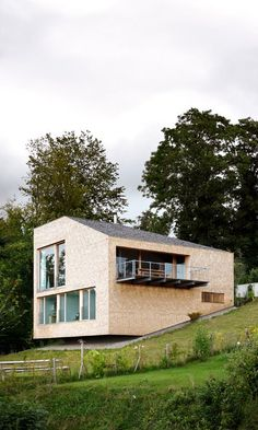 Image 6 of 13 from gallery of HD Haus / Bernardo Bader. Photograph by Adolf Bereuter Residential Architecture, Contemporary Architecture, Architecture Design, Building Layout, Building A House, Bernardo Bader, Hillside House, Archi Design, Villa