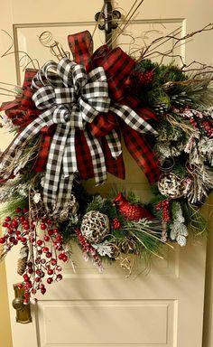 Christmas Wreaths To Make, Holiday Wreaths, Christmas Crafts, Christmas Decorations, Christmas Ideas, Holiday Decor, Winter Wreaths, Wreath Crafts, Diy Wreath