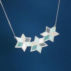 Et voici mon motif d'hier monté en collier. J'ai bien envie d'expérimenter ce motif de fleur/étoile imparfaites sur d'autres supports. #waitandsee