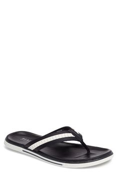 Free shipping and returns on Reaction Kenneth Cole Beach Chair Flip Flop (Men) at Nordstrom.com. Supple faux-leather straps top a classic flip-flop with versatile appeal.
