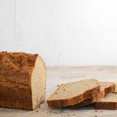 Nach nur 15 Minuten Zubereitung kommt dieses Brot auch schon in den Ofen. Da freuen sich alle, die sich morgens gerne den Gang zum Bäcker sparen.