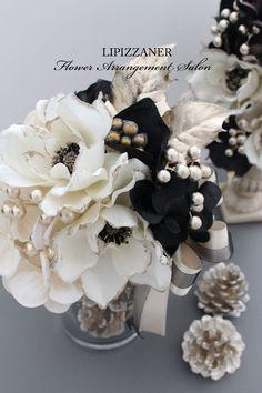 11月のサロンレッスン追加開催のお知らせ | LIPIZZANER Flower Arrangement Salon Rustic Christmas, Christmas Crafts, Christmas Decorations, Xmas, Christmas Flower Arrangements, Fall Arrangements, Dried Flowers, Paper Flowers, Workshop Design
