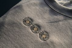 Grunge Look, 90s Grunge, Grunge Style, Soft Grunge, Grunge Outfits, Diy Embroidery Shirt, Embroidery On Clothes, Cute Embroidery, Embroidered Clothes