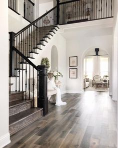 Pin by kristina imlay on dream spaces & home ideas in 2019 к Dream House Interior, Dream Home Design, My Dream Home, Home Interior Design, House Design, Grand Staircase, Staircase Design, Staircase Ideas, Staircase Remodel