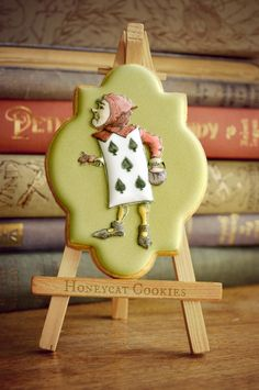 Playing Card from Alice in Wonderland     By Lucy (Honeycat Cookies)   http://www.honeycatcookies.blogspot.co.uk