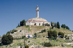 The Tallest Statues of Jesus Christ in the World Christ of Otero – Spain Christ The Redeemer, Christ The King, Jesus Christ, Big People, Art Deco Movement, Cryptozoology, Weird Creatures, Paris Skyline, Catholic