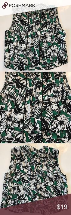 Zara Woman Tank Top Floral Print Size M This is a super cute Tank with an a great print. You can dress it up and wear to work or pair it up with some jeans. Perfect condition only worn once. Zara Tops Tank Tops