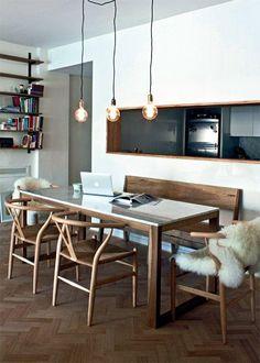 ventana pasaplatos forrada en madera Kitchen Window Bar, Kitchen Decor, Dinner Room, Dining Room Table, Home And Living, Living Room Designs, Kitchen Design, Decoration, Sweet Home