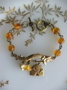 Bee Bracelet Honey Bee Queen Bee Bee Jewelry by CharmedValley Bee Jewelry, Jewelry Box, Handmade Jewelry, Jewelry Making, Jewellery, Ideas Joyería, I Love Bees, Bee Skep, Bee Art