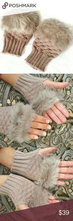 """Faux Fur Trim Knit Fingerless Gloves NWT! Faux Fur Trim Knit Fingerless Gloves NWT!  Length: 5.5"""" Palm circumference: 7.5"""" Wrist circumference: 5.5""""  🚫No Trades 🙄😘  🔘Use OFFER button to negotiate👍🤑 🔘Please Ask ❓'s BEFORE you Buy🤔😃 💕Thank you for stopping by! Happy Poshing!💕 Real Haute Trends  Accessories Gloves & Mittens"""