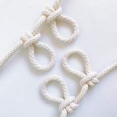 Artist Windy Chien Unearths Obscure Knots Everyday for an Entire Year (Colossal) Loop Knot, The Knot, Paracord Knots, Rope Knots, Rope Crafts, Bizarre, French Knots, Macrame Tutorial, Macrame Projects