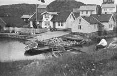 DigitaltMuseum - Hernar Olsen, Norway, Boat, Ship, Cabin, House Styles, People, Home Decor, Dinghy