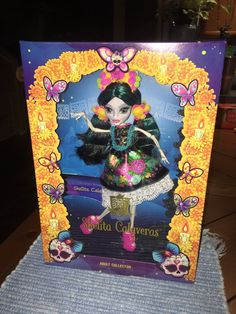 Monster High Skelita Collector Exclusive Doll - Toot's Toys Monster High Characters, Monster High Dolls, Mexican Outfit, Toot, Custom Embroidery, Embroidered Flowers, The Collector, Art Dolls, Scary