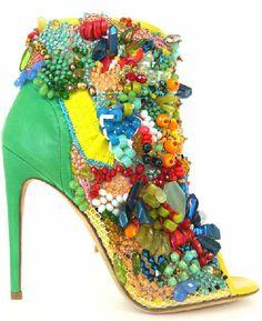 Rousseau puts an entire reef onto your shoe: http://www.heelsrus.nl/voor-e5000-een-koraal-rif-op-je-schoen/