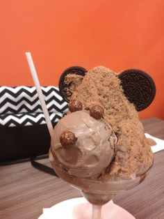 Piko Choco, saking lucunya jadi sayangg banget mo dimakan, nomnomnom (˘ڡ˘) @Yumee House of Desserts  #Cute #Dessert