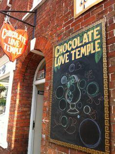 chocolate-love-temple-shop