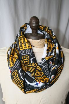 NFL Pittsburgh Steelers Infinity Scarf... I want!!