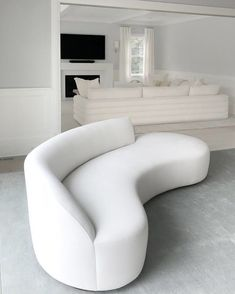 carawoodhouseinteriors CUSTOM SOFA-NESS gorgeous sofas 1 custom CWI channel back sofa and one custom Vladimir Kagan sofa ▪️Project: . Gebogenes Sofa, Sofa Furniture, Sofa Set, Furniture Design, Furniture Online, Sofa Design, Canapé Design, Contemporary Sofa, Contemporary Interior Design
