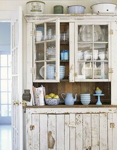 15 Ideas For Shabby Chic Kitchen Decor Rustic Farmhouse Style Shabby Chic Kitchen, Shabby Chic Homes, Shabby Chic Decor, Vintage Kitchen, Rustic Kitchen, Rustic Hutch, Distressed Hutch, Distressed Furniture, Antique Hutch