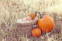 Organic Pumpkin Hat -  I LOVE this picture idea!
