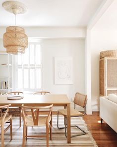 Image may contain: table and indoor via Wood Interior Design, Interior Styling, Style Deco, Dining Room Inspiration, Rooms Home Decor, Sweet Home, Decoration, Morning Light, Ikea Pendant Light