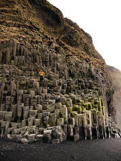 Que ver en Islandia - La costa negra de Vik (Islandia) - Basalt columns at Reynisdrangar beach - south #Iceland
