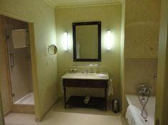 InterContinental Paris Le Grand: junior suite bath
