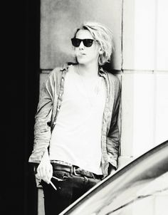 Jamie Campbell Bower; I'm not a fan of his smoking, but I'll ignore it :3