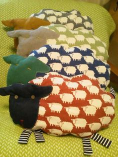 Free pattern and tutorial for sheep pillow from kokka fabric