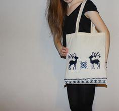 Lovely reindeer tote with long handles/ handmade/ handbag/ shopping bag/ nordic design/ self-made Found on etsy 'ThreeLeggedMoose' Handmade Handbags, Nordic Design, Market Bag, Handmade Design, Reindeer, Shopping Bag, Totes, Reusable Tote Bags, Trending Outfits