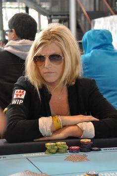 #WiPT - Incognito, Julie, productrice et co-animatrice de l'émission de Cauet sur NRJ, participe à l'étape parisienne du #Winamax #Poker Tour.