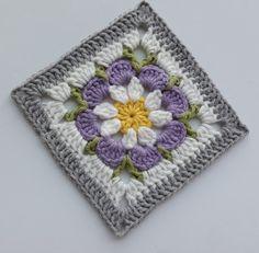 꽃 모티브 과정 샷 (블랭킷) : 네이버 블로그 Crochet Square Blanket, Baby Afghan Crochet, Crochet Quilt, Granny Square Crochet Pattern, Crochet Squares, Crochet Motif, Crochet Flower Tutorial, Crochet Flower Patterns, Crochet Designs