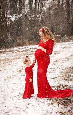 I love these mother daughter matching gowns! Perfect for a maternity photo shoot… I love these mother daughter matching gowns! Perfect for a maternity photo shoot. Comes in 35 different colors!