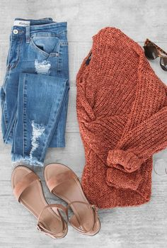 Shop Priceless – The latest in women & teen fashion at prices you can afford. Rust twist-back sweater is everything you need going into fall. The Flashback Rust Twist Sweater is light-weight and easy to pair with jeans and a cute sandal. Fall Winter Outfits, Spring Outfits, Winter Clothes, Women Fall Outfits, Teen Fashion, Fashion Outfits, Fashion Trends, Womens Fashion, Petite Fashion