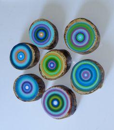 kandinsky-like circles on log slices